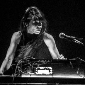 MASH UP MEZCLA DE DOS: DIOS ES DJ de LEOKREIMER