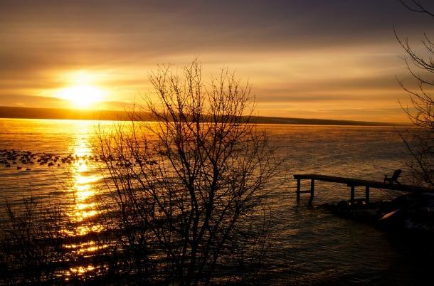 lake-238467_1280