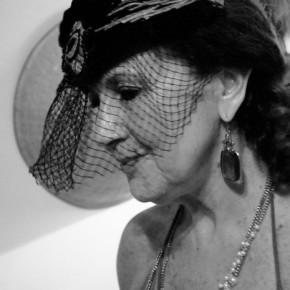 Mirta Katz en Un diván de dos plazas Dirección: Leandro Rosati por Dra. RaquelTesone