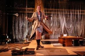 EL ESCRITOR FRACASADO Actuación: Diego Velázquez Dirección: Marilú Marini Por Dra. RaquelTesone