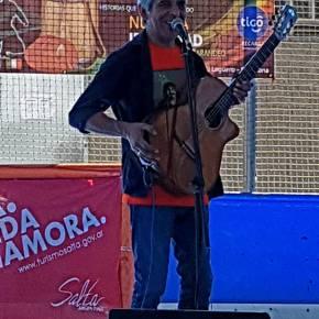 Entrevista a Peteco Carabajal – Por FlaviaMercier