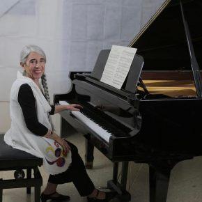 REPORTAJE A LA PIANISTA MIRTA HERRERA EN ROMA   Por StellaCassiba